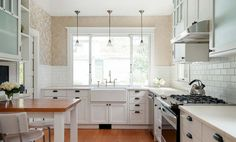 119 Stuning Farmhouse Kitchen Design Ideas And Remodel To Inspire Your Kitchen Modern Farmhouse Kitchens, Home Kitchens, Old Kitchen, Kitchen Ideas, Kitchen Remodel, Kitchen Design, Living Spaces, Kitchen Cabinets, Design Ideas