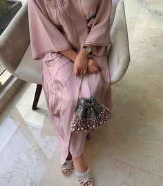 Modern Hijab Fashion, Modesty Fashion, Abaya Fashion, Muslim Fashion, Fashion Dresses, Mode Abaya, Abaya Designs, Abayas, Satin