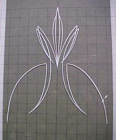 How to Pinstripe page 2 Car Pinstriping, Pinstriping Designs, Painted Letters, Painted Signs, J Birds, Pinstripe Art, Sign Writing, Paint Stripes, Garage Art