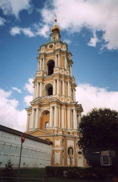 Колокольня Новоспасского монастыря высотой 78 метров, одна из самых высоких в дореволюционной Москве, 1759—1785 гг Черепцов основал, нижний ярус - барокко, выше - классицизм.