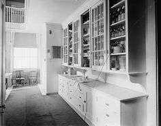 House Crush: The Well Appointed Pantry...