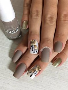 Here are some hot nail art designs that you will definitely love and you can make your own. You'll be in love with your nails on a daily basis. Stylish Nails, Trendy Nails, Nail Art Blanc, Ongles Beiges, Nail Designs 2017, Cute Easy Nail Designs, Wine Nails, Cute Simple Nails, Fabulous Nails