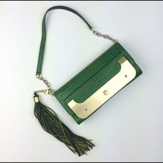 """✨HP Sale✨DVF harper clutch green This DVF harper mini clutch has detachable tassel. This is a sample purchased from DVF sample sale.  Can be used as a clutch or handbag. Gold plate has scratches as pictured. Inside is clean. Dimension 9"""" x 4.5"""" x 1.25"""". Strap drop 8.5"""".  As this is a sample, it does not have all the regular labeling. Diane von Furstenberg Bags Clutches & Wristlets"""