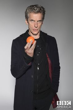 Doctor Who: what do the tangerines mean in Last Christmas special Peter Capaldi Doctor Who Season 9, Doctor Who Tv, 12th Doctor, Twelfth Doctor, Peter Capaldi Doctor Who, Beans On Toast, Doctor Who Christmas, Last Christmas, Torchwood