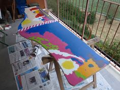 Table - kids' painting... Complete!