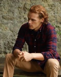 Anonymous said: Any way you can do some pausing and make still pics for screensavers from that last GQ photo shoot gif? The one of Sam seated wearing the navy/red plaid shirt and rubbing his hands you...