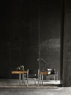 Desk by Hans J Wegner - CH110 - Carl Hansen & Søn