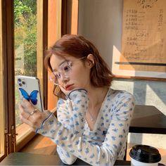 Korean Girl Photo, Korean Girl Fashion, Ulzzang Fashion, Girl Photo Poses, Girl Photography Poses, Girl Poses, Korean Aesthetic, Aesthetic Girl, Korean Outfit Street Styles