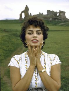 "❤️❥@p̶vѕв143❣❤️ #SophiaLoren She's Often Called The ""Italian Marilyn Monroe"""