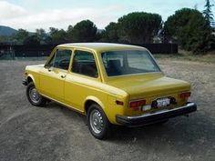 FIAT 128 1975 - Drove one of these in college - When it ran, it was like a Ferrari - when it died, it was always an epic fail !!  Not many of these left anymore.