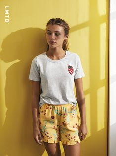 Loose Fit, Products, Fashion, Ruffle Shorts, Side Bags, Fashion Styles, Fashion Illustrations, Trendy Fashion, Gadget