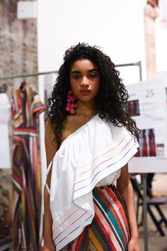 Our thoughts on the Rosie Assoulin resort 2017 show.