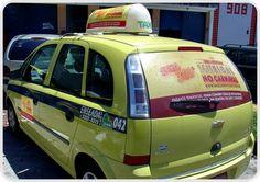Skol no Carnaval 2012, veiculou táxis do Rio de Janeiro com a Farol.