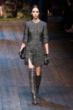 Dolce & Gabbana Fall 2014 Ready-to-Wear Runway - Dolce & Gabbana Ready-to-Wear Collection Grey Fashion, Runway Fashion, Fashion Show, Fashion Design, Milan Fashion, Fashion Wear, London Fashion Weeks, Dolce & Gabbana, Fall Winter 2014