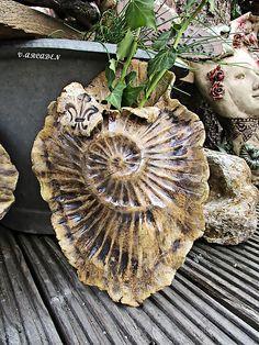 Keramik getöpfert Blumentopf Kunst Muschel Garten Weihnachten by bellacasa, Dieses Schätzchen ist momentan nicht verfügbar,  gerne stelle ich ihn speziell für Dich her,  einfach ...