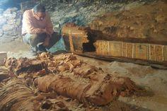 Mısırlı arkeologlar, Mısır'ın Yeni Krallık dönemindeki 18. hanedanlıktan kalan, 3 bin 500 yıl öncesine tarihlenen bir mezar buldu.