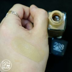 Maybelline Fit Me Matte+Poreless Foundation Review and Swatches   Doll Up Mari Waterproof Foundation, Maybelline Fit Me Foundation, Drugstore Foundation, Estee Lauder Pleasures, Fit Me Matte And Poreless, Beauty Youtubers, Makeup Blog, Swatch, Make Up