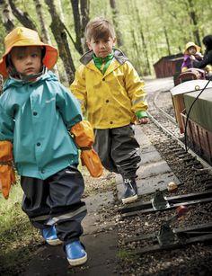 Didriksons Rain Gear, Dancing In The Rain, Kids Fashion, Rain Jacket, Windbreaker, Leather Jacket, Lady, Children, Collection