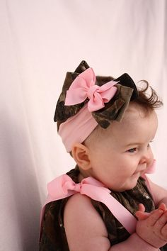 Realtree Baby Girl Camo Hair Bow - Adorable in pink.this will be how Travis tries to dress our baby one day :)