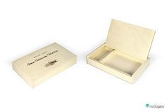 Caixa de madeira personalizada. Place Cards, Place Card Holders, Packaging