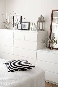 25 Minimalist Bedroom Styling Ideas for White Interiors is part of Ikea bedroom Storage - Decorating and styling ideas that will definitely keep your bedroom cozy and stylish Trendy Bedroom, Cozy Bedroom, White Bedroom, Bedroom Decor, Bedroom Ideas, Bedroom Lighting, Bedroom Apartment, Apartment Therapy, Ikea Bedroom Design
