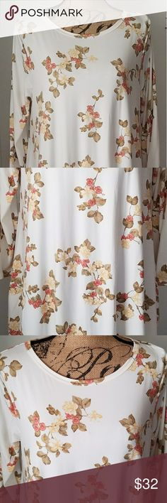 NWT- Soft and Cozy Honey & Lace Brea Soft and Cozy, Super Cute Brea...2 side pockets...cream, with salmon and olive green floral pattern Honey and Lace Dresses Midi