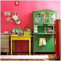 Andrea Guim Blog: Inspire-me decor: Cores na cozinha!