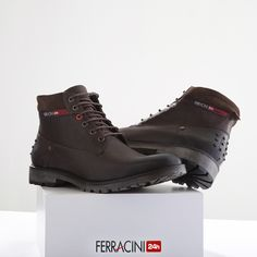 Hiking Boots, Combat Boots, Shoes, Instagram, Fashion, Line, Models, Boots, Walking Boots