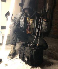 the chained combat bag ⚡️⛓ available online Grunge Fashion, Urban Fashion, Mens Fashion, Bad Boy Style, Cool Style, Urban Samurai, Cool Avatars, Japan Outfit, Cyberpunk Fashion