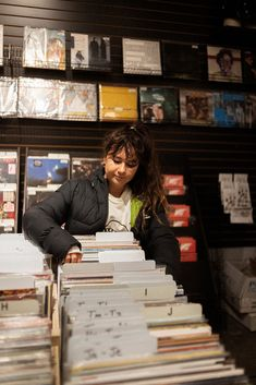 Record Shopping with Mallrat at Creep Records Cardiff, Powerful Women, Motion Graphics, Queen, Band, Tv, My Love, Music, Girls