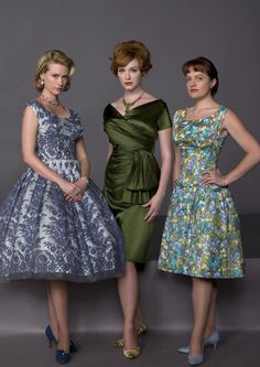I've never watched Mad Men, but this style for women back in the day has always been my favorite. So classy.