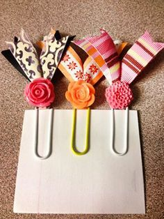 Ideas for diy paper clips tags Paperclip Crafts, Paperclip Bookmarks, Diy Paper, Paper Crafts, Paper Clip Art, Book Markers, Candy Cards, Pocket Letters, Scrapbook Embellishments