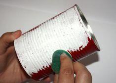 Bielu akrylovú farbu nanášame špongiou (nie ťahom). Scrapbooks, Handmade, Crafts, Diy Ideas, Country, Eggshell, Bottles, Block Prints, Bucket