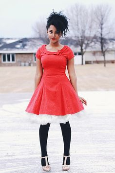 Everything about this.... ah-mazing! #red #fullskirt #petticoat