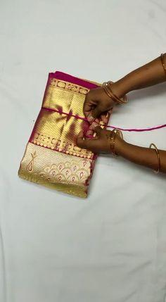 Reine Handwebmaschine Pattu Saree Celebrations Momentous moments is part of Wedding saree blouse designs - Pattu Sarees Wedding, Wedding Saree Blouse Designs, Pattu Saree Blouse Designs, Indian Bridal Sarees, Indian Silk Sarees, Wedding Silk Saree, Blouse Designs Silk, Kanchipuram Saree Wedding, Pure Silk Sarees
