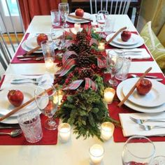 Table setting for holiday party Christmas Home, Christmas Holidays, Christmas Decorations, Table Decorations, Holiday Decor, Christmas Ideas, Decor Crafts, Holiday Parties, Happy Holidays