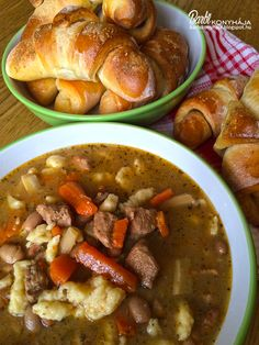 Babgulyás Hungarian Recipes, Hungarian Food, Hot Soup, Soups And Stews, Pot Roast, Chowder, Soup Recipes, Main Dishes, Bacon