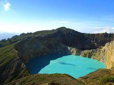 Kelimutu Lake Three Colors Lake Crater Ende-Indonesia