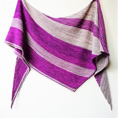 Ravelry: Project Gallery for Berry Patch pattern by Lisa Hannes €4.00 EUR about $4.66