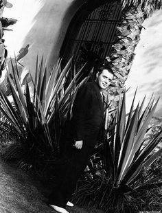 mypeterlorre: Peter Lorre in Hollywood - 1935