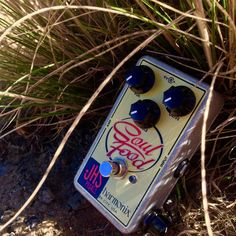 "The @jhspedals SOUL FOOD ""MEAT & 3"" MOD is an incredible upgrade on the already great EHX Soul Food. With a 3-way clipping toggle you get the stock EHX clipping, open clipping, and an added true Klon style germanium clipping which isn't present in the stock Soul Food pedal. JHS also added a bass contour ""Meat"" knob to really make this pedal a tone shaping tool. Check out the Soul Food at RogueGuitarShop.com and pick one up today for only $115.00! #rogueguitarshop #JHS #EHX #knowyourtone…"