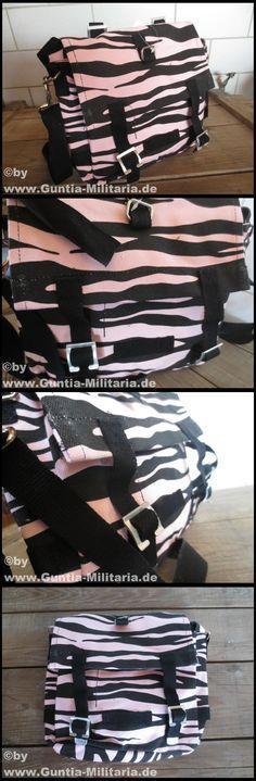 BW kampftasche im Zebra Look:  mit verstellbarem Schultertragegurt 1 Außenfach kleines Zusatzfach Tragegriff Material: 100 % Baumwolle Größe: ca. 26 x 21 x 8 cm Zustand: neu