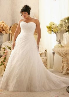 Plus Size #weddingdress : Strapless Sweetheart Crystal Beads on Soft Net over Chantilly Lace Wedding Dress