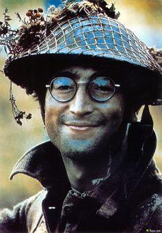 John Lennon, 1966.