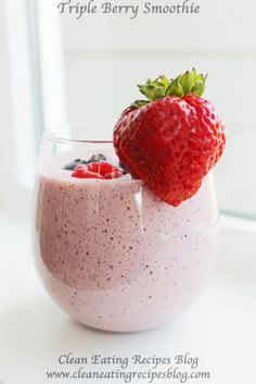 Clean Eating Recipe – Triple Berry Smoothie | Clean Eating Recipes
