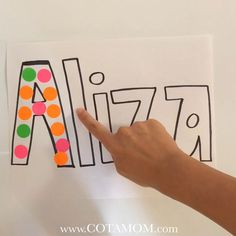 The perfect activity for name/letter recognition and letter formation ! The perfect activity for name/letter recognition and letter formation ! Educational Activities For Preschoolers, Activities For 2 Year Olds, Preschool Learning Activities, Preschool Activities, Preschool Centers, Preschool Names, Preschool Crafts, Crafts For Kids, 3 Year Old Preschool