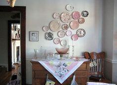 Los platos están de moda … ¡pero en la pared!
