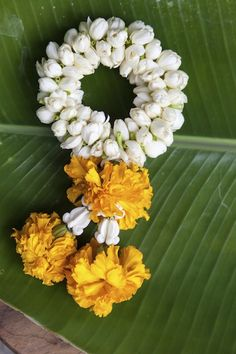 Cultural Traditions: Thai Wedding Garlands - Let Them Eat Cake - July 2015