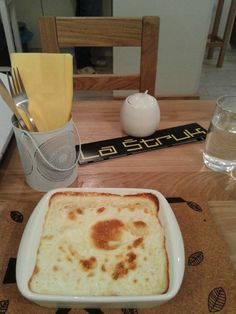 La Štruk - specializes in štrukli, a traditional Croatian dough dish made with cheese and cream. Located in Skalinska 5.
