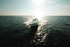 Sea Ray 540 Sundancer - Open Ocean  http://www.lakeunionsearay.com/Page.aspx/pageId/152099/Sea-Ray-Boats.aspx